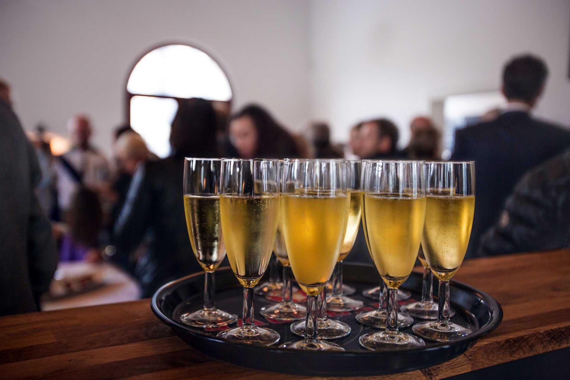 Bilde av champange på firmafest - Volum Firmafest Arrangement